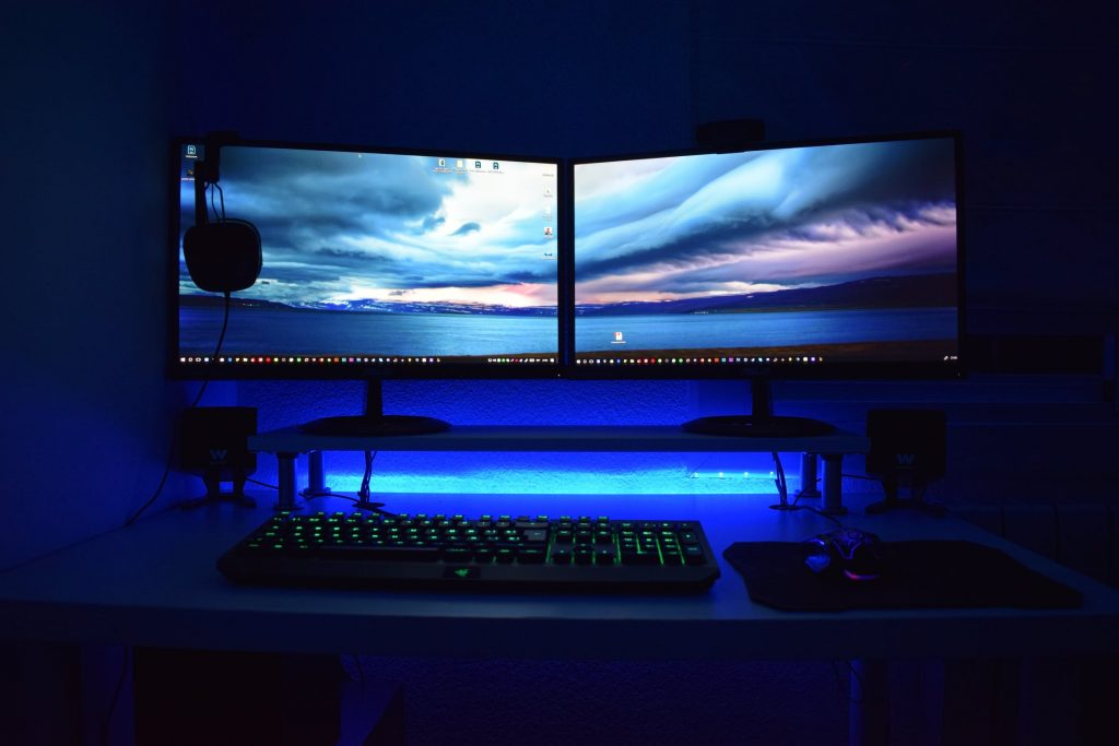 web design dual monitor